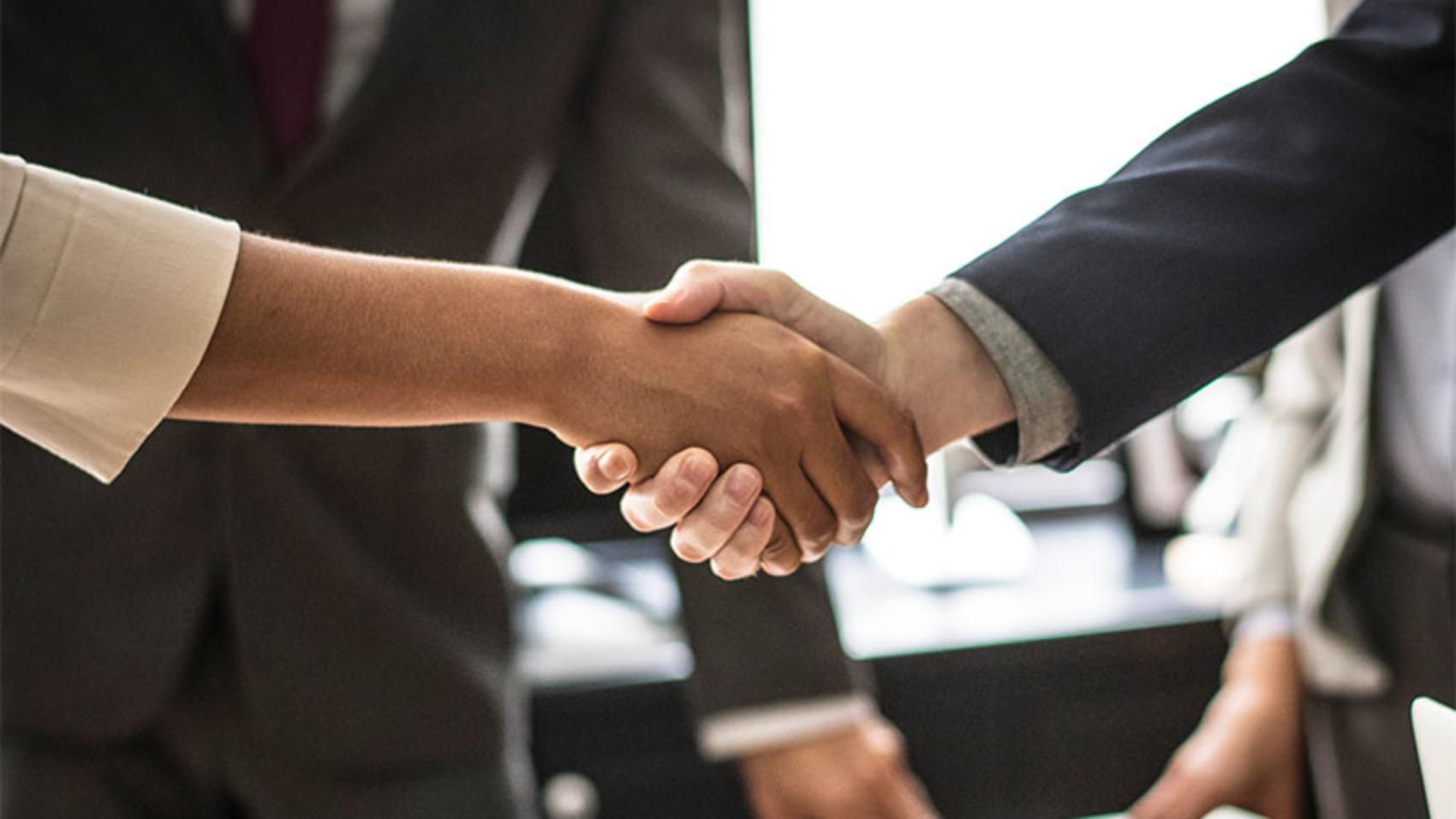 Handshake business partnership