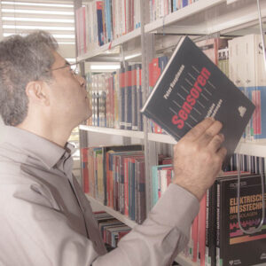 Javad Zaarbakhsh in Library